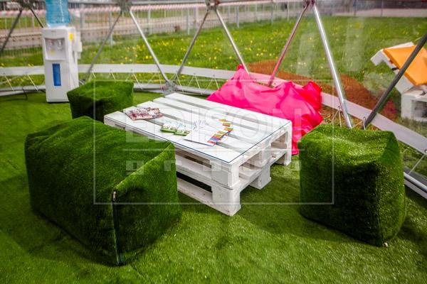 Мебель из паллет на выставке в Останкино — фото