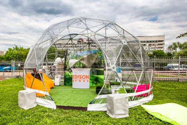 Сферические шатры на выставке в Останкино — фото