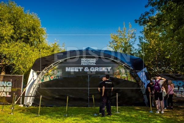 Брендированные шатры от EDISON group на Фестивале Booking Machine Festival в Коломенском 10