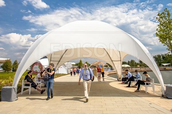 шатры на стартап-конференции Startup Village 2019 в Сколково